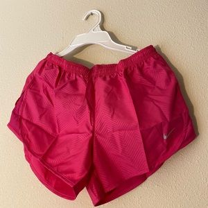 New Nike women running shorts,size s